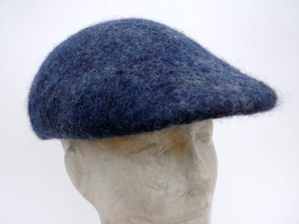Nr. 4 Blaue Mütze